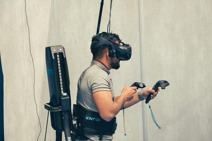 https ichi pro fr comment un tapis roulant peut il creer une realite virtuelle plus immersive 176960252796130