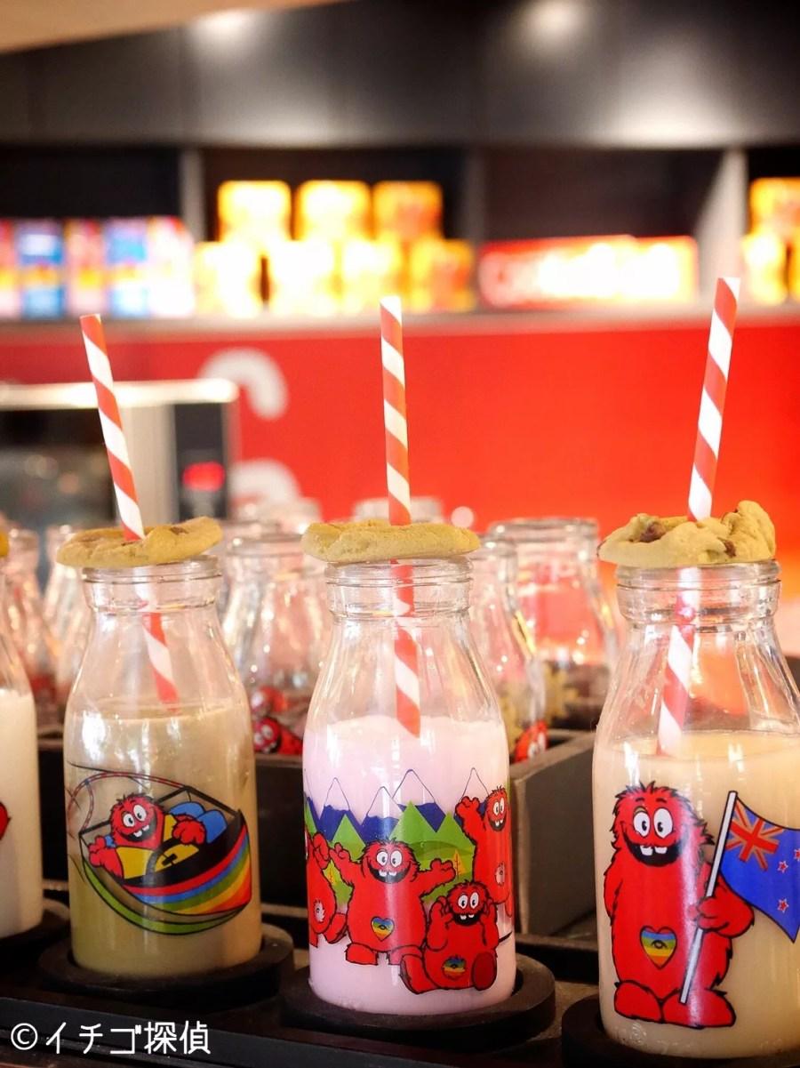 イチゴ探偵|原宿のクッキータイムで「ミルクボトルコンボ ストロベリー」を購入!ソフトなオーガニッククッキー付き!
