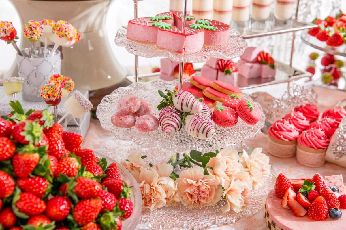 ストリングスホテル東京「クリスタルプリンセスの苺ランチビュッフェ」で苺料理30種といちご尽くしデザート!