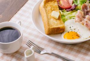 自己紹介、朝食、トースト