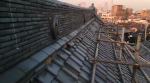 大きな屋根の葺き替え
