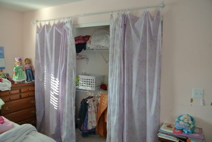 closet curtain 028