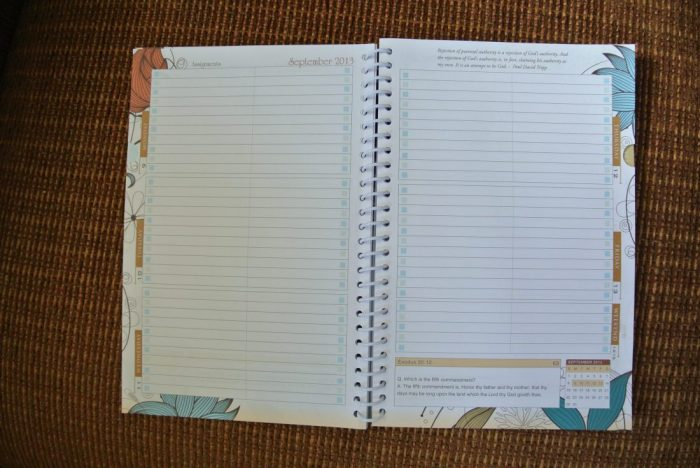 Easy Canvas & Well Planned Day Student Planner 011