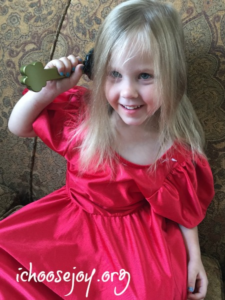 Knot Genie Detangling Hairbrush review 1