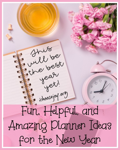 Fun, Helpful, and Amazing Planner Ideas for the New Year ~ Read about my four favorite planners and pick the best one for you to use to reach your goals and stay organized this year! #momplanner #homeschoolplanner #organization #organizedmom