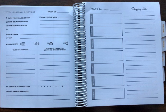 The Organized Homeschool Life Planner is the perfect planner for the homeschool mom. Use it alone, or even better, use it with The Organized Homeschool Life book and use the weekly missions to get your whole life and homeschool organized 15 minutes at a time! #organization #homeschoolorganization #ichoosejoyblog #homeschoolplanner