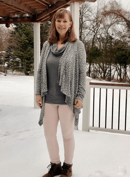 15 Basic Items for Every Homeschool Mom Wardrobe from Homeschool Mom Fashion