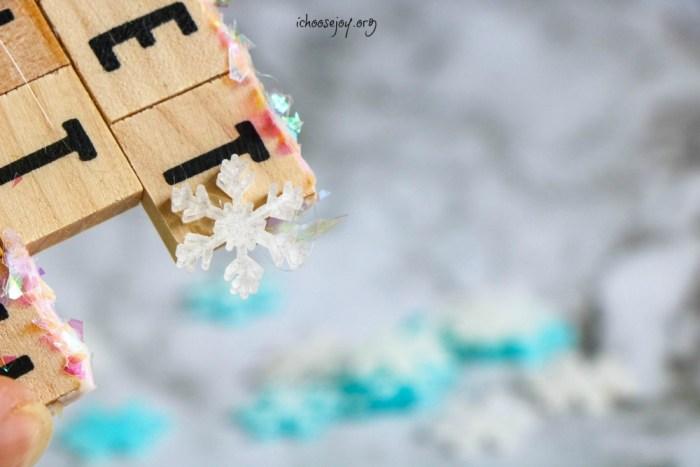 Scrabble Christmas Ornament Tutorial