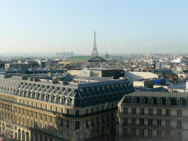 Ausblick auf Paris von der Dachterrasse der Galeries Lafayette