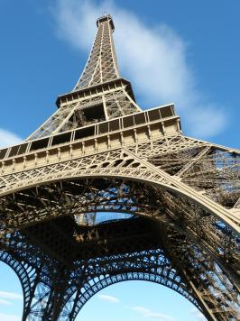 Ganz nah am Eiffelturm-1200x900