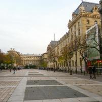 Platz auf der Ile de la Cité-1200x900