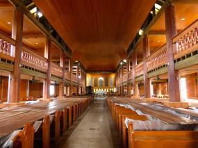 Innenraum der St Johns Katehdrale-1200x900