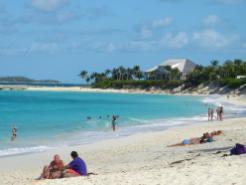 Paradiesischer Strand auf Paradise Island-1200x900