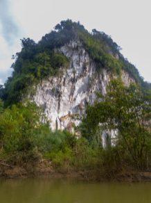 Thailand Khao Sok Nationalpark Dschungel Kajaktour Kajak Paddeln Fluss Kalkfelsen