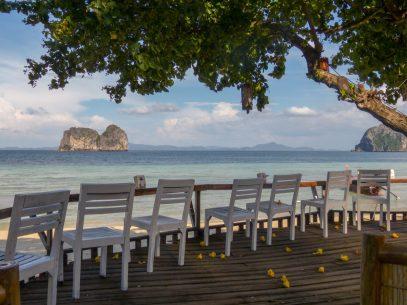 Thailand Koh Ngai Koh Hai Insel Andamanensee Inselparadies Strand Meer Strandbar Salalay