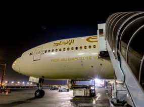 Abu Dhabi Flughafen Etihad Flugzeug