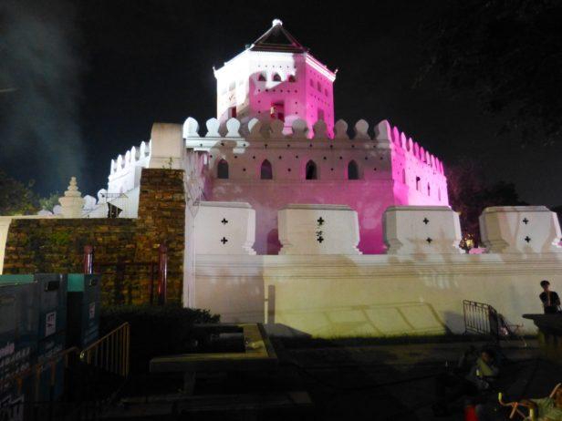 Thailand Bangkok Lichterfest Loi Krathong Santi Chai Prakan Park Chao Phraya Phra Sumen Fort
