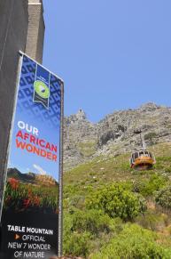 Südafrika Kapstadt Cape Town Tafelberg Table Moiuntain untere Seilbahnstation Seilbahn