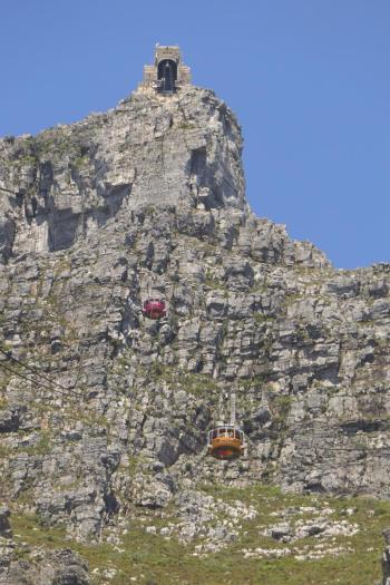 Südafrika Kapstadt Cape Town Tafelberg Table Mountain untere Seilbahnstation Seilbahn Cableway obere Seilbahnstation