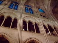 Frankreich Paris Notre Dame de Paris Kathedrale Gotik Kirchenschiff Säulen Bögen Gewölbe