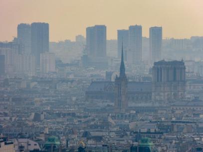 Frankreich Paris Galeries Lafayette Dachterrasse Ausblick Notre Dame de Paris Kathedrale