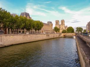 Frankreich Paris Notre Dame de Paris Kathedrale Gotik Fassade Glockentürme Seine Seineufer Quartier Latin