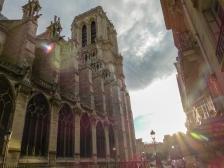 Frankreich Paris Notre Dame de Paris Kathedrale Gotik Kirchenschiff Glockenturm Nordfassade Rue du Cloitre-Notre-Dame