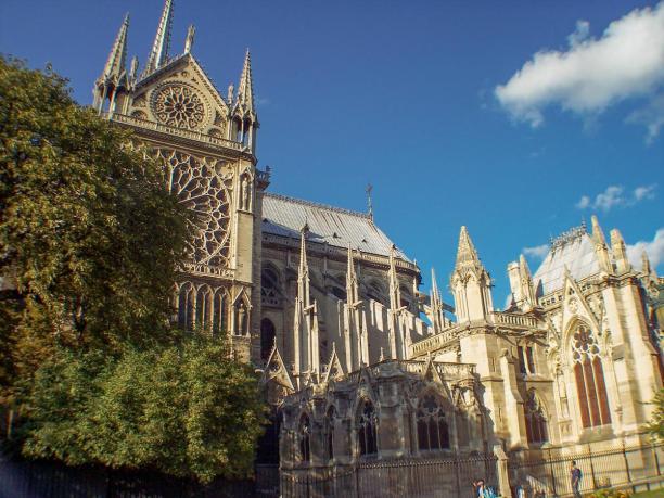 Frankreich Paris Notre Dame de Paris Kathedrale Gotik Kirchenschiff Südfassade Fenster Rosette Sakristei