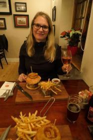 Südafrika South Africa Hermanus Burgundy Restaurant Abendessen Burger Wein