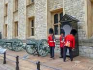 Großbritannien England UK London Tower of London Burg Fortress Kanone Wächter