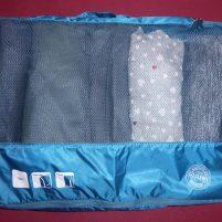 Travel Hack Koffer packen Packwürfel rollen Hosen