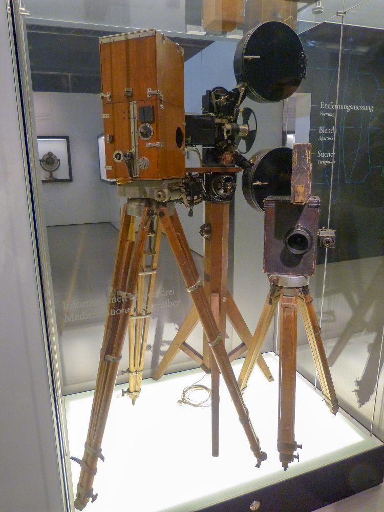 Deutsches Museum München Deutschland Naturwissenschaft Technik Maschinen Filmkamera