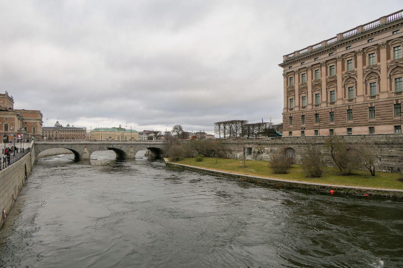 Stockholm Schweden Brücke Helgeansdholmen Riksdagshusen Reichstag