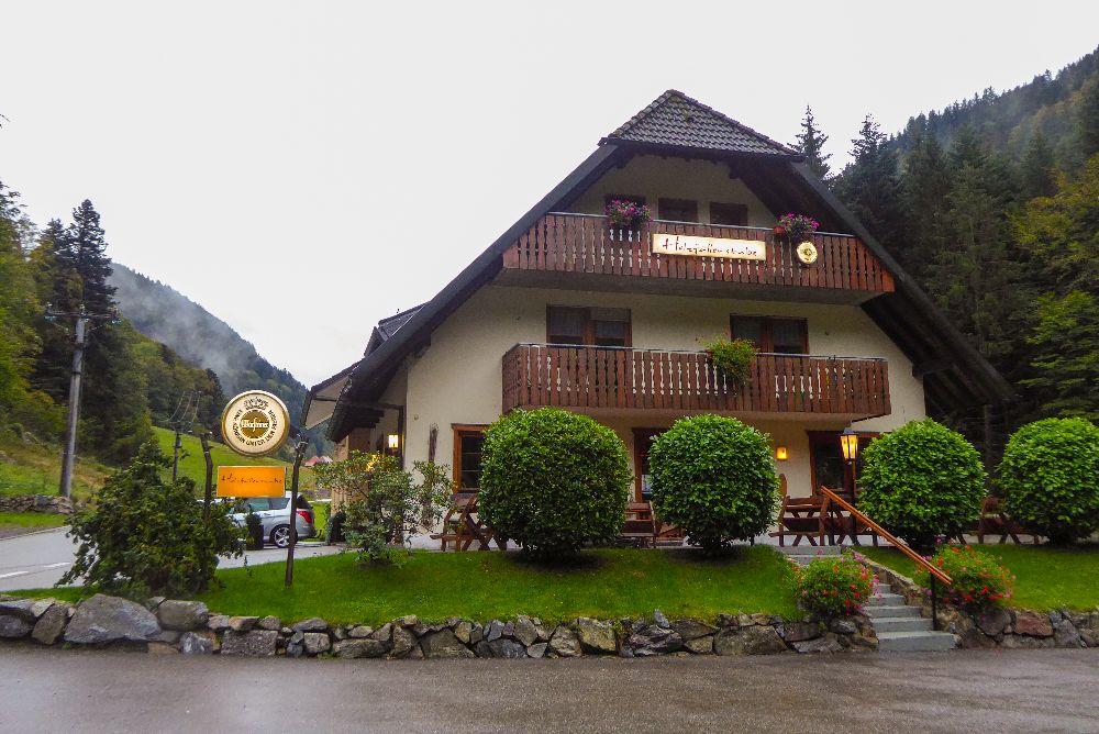 Deutschland Schwarzwald Hochschwarzwald Oberried Holzfällerstube Restaurant Abendessen