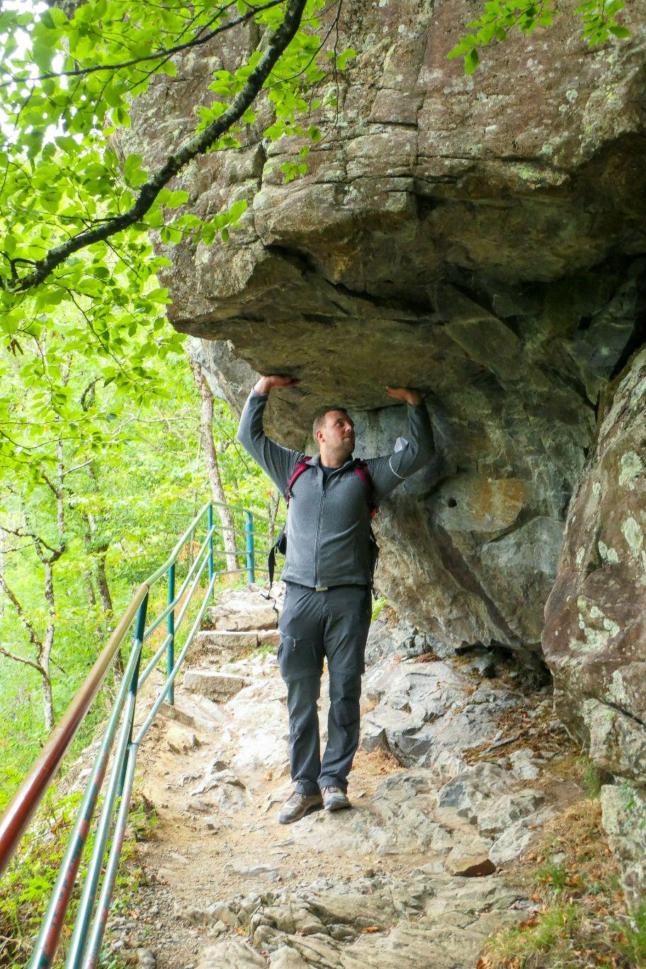 Deutschland Schwarzwald Hochschwarzwald Todtnauberg Todtnauer Wasserfall Rundweg Fels