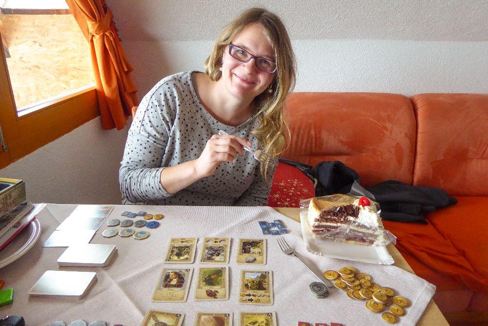 Deutschland Schwarzwald Hochschwarzwald Todtnauberg pension Elisabeth Spielenachmittag Spielen Duell der Baumeister Kuchen