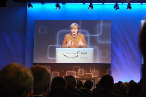 Was wusste Merkel über Priem?