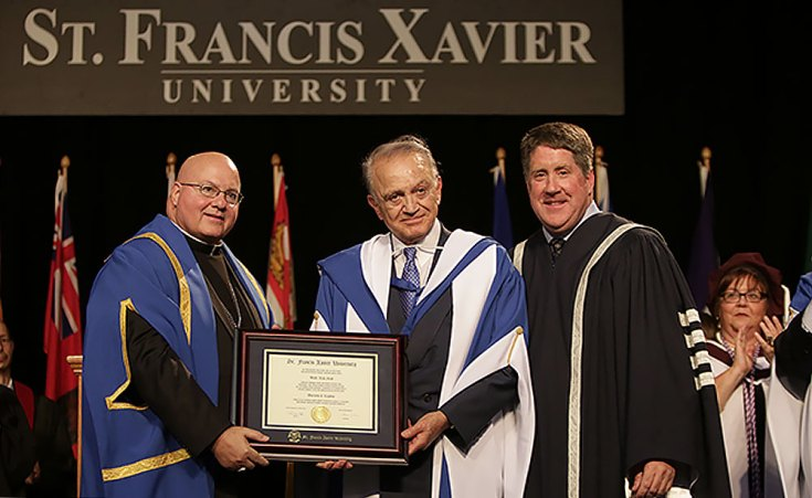 Wafic Saïd reçoit un doctorat honorifique de l'Université Saint-Francis-Xavier.
