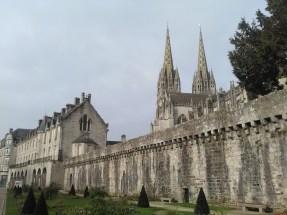 Vue du musée départemental et de la Cathédrale de Quimper