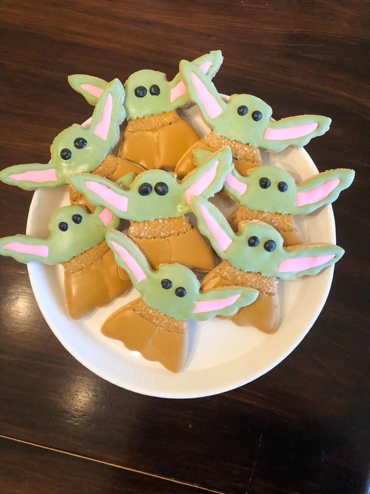 Baby Yoda Sugar Cookie Tutorial