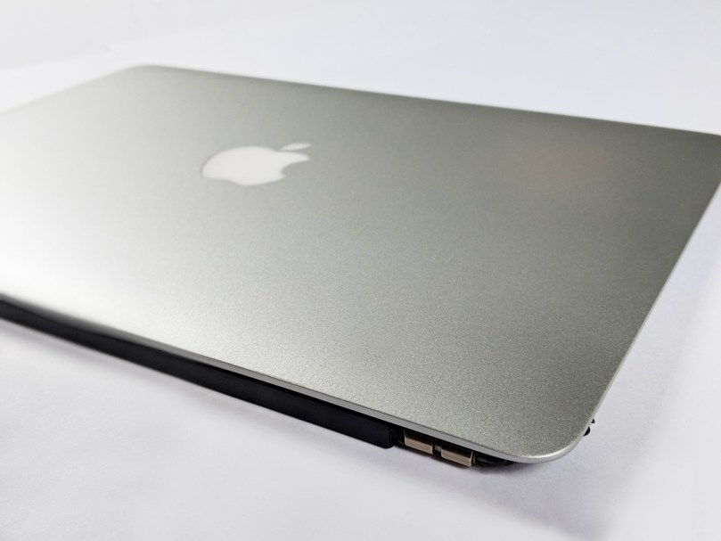 "MacBook Pro 13"" Retina (Early 2015) Display Assembly 5"