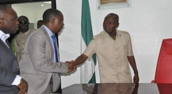 Gov Oshiomhole Chides Striking Doctors In Edo