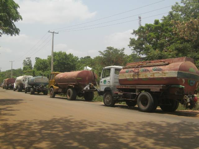 Water tankers waiting to load at the Greater Makurdi   Waterworks in Benue State