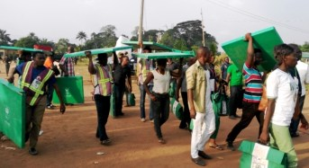 2015 General Election: 100 INEC Staff Face Suspension For Bribery