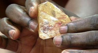 Sierra Leonean Pastor Hands Over Largest Diamond Find To Govt