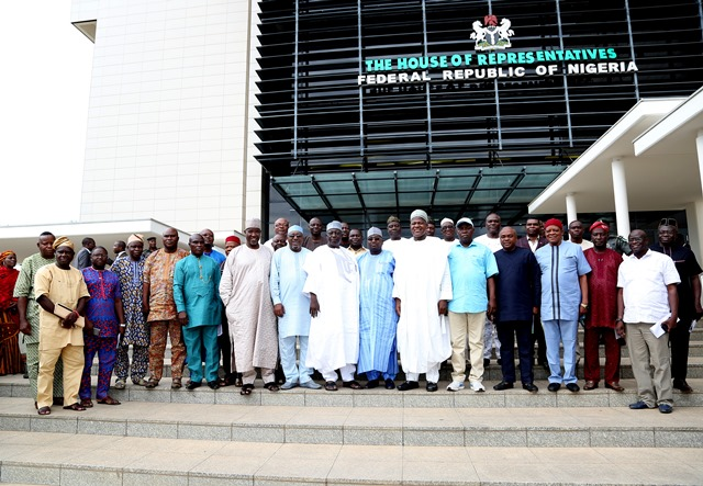 Speaker of the House of Representatives, Yakubu Dogara in a group photograph with a delegation of the NUT at the National Assembly complex, Abuja on Wednesday