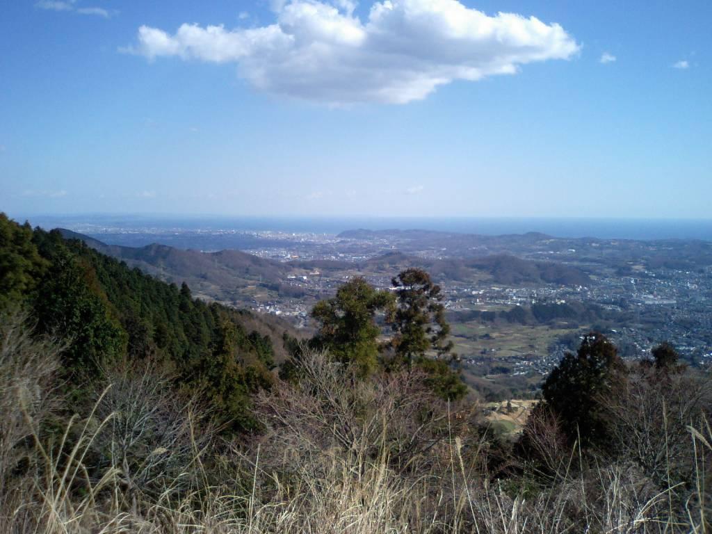 江ノ島がかすかに見える