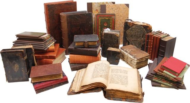 реставрация библиотек, реставрация книг, консервационных переплет, рукописная библиотека, реставрация рукописей