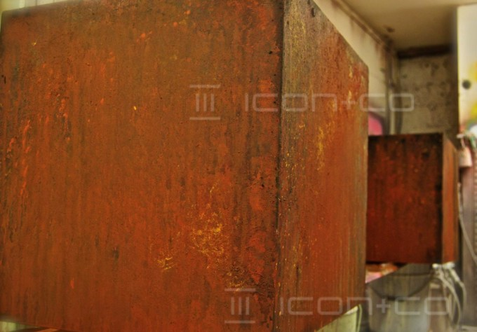 faux rust plinths, fake oxidised, pretend corrosion, metallic, rust, box, retail vm, scenic artist, mannequin base