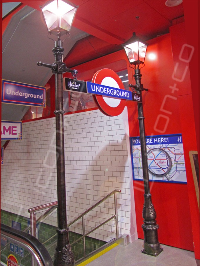hamleys-underground-themed-interior, retail display